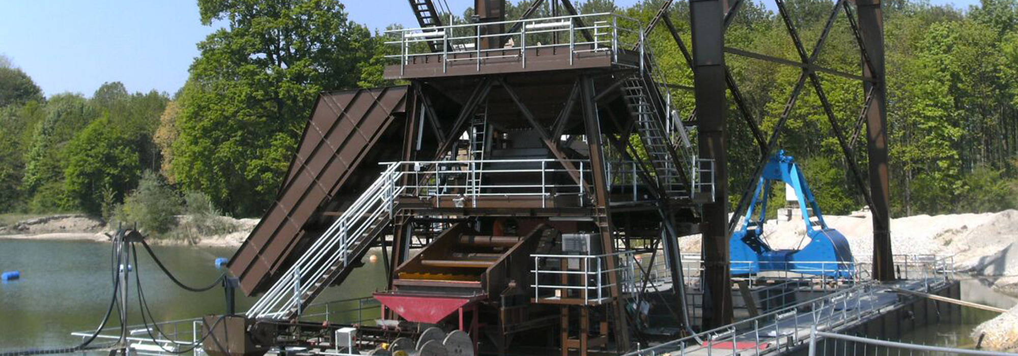 COMPLETE DREDGE SYSTEMS FOR YOUR NEEDSWe offer Clamshell Dredges, Bucketladder Dredges and Floating Conveyor Belt Systems for the Sand & Gravel and Mining industries. Learn More